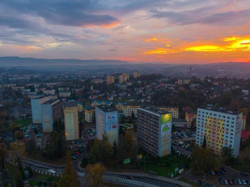 Widok z lotu ptaka na obiekt Mieszkanie Na 10 Piętrze
