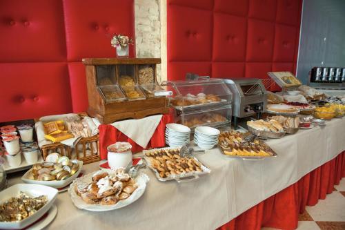 Colazione disponibile per gli ospiti di Hotel Bologna ***S