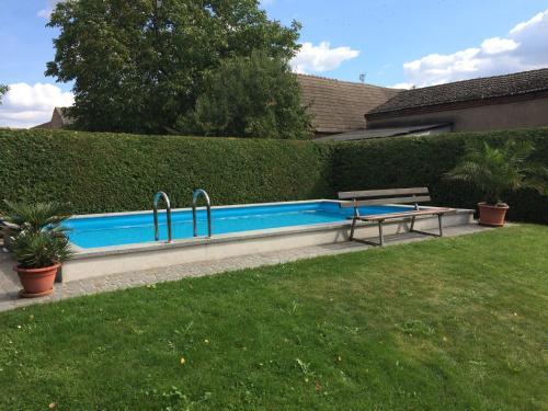 Der Swimmingpool an oder in der Nähe von Landurlaub in Schiebsdorf