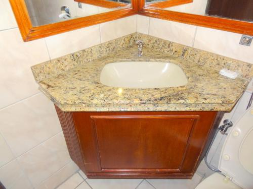 A bathroom at Tawfiq´s Palace Hotel