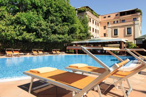 The swimming pool at or near Grand Hotel Gianicolo