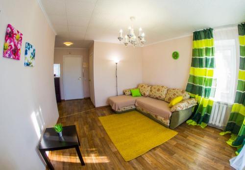 Кровать или кровати в номере RENT-сервис Apartment Serova 26