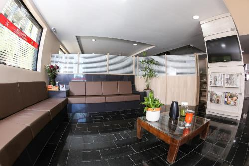 The lobby or reception area at Hotel Express Centro Histórico