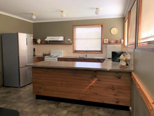 A kitchen or kitchenette at Nettin View 4