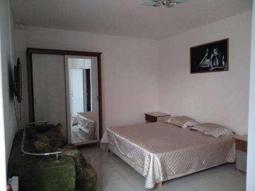 Кровать или кровати в номере Baksan Inn