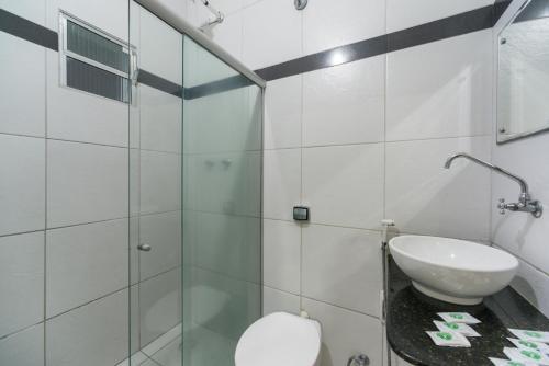Um banheiro em Hotel Pousada da Praia