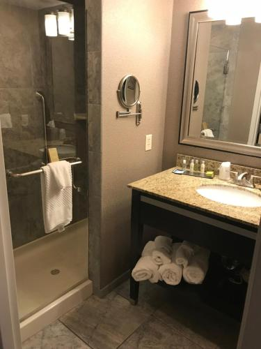 A bathroom at The Strathallan - a DoubleTree by Hilton
