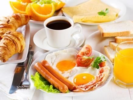 Breakfast options available to guests at Hotel on Molodezhnaya 5/1