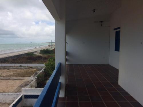 A balcony or terrace at Casa Beira-Mar Itamaracá