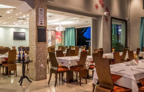 Εστιατόριο ή άλλο μέρος για φαγητό στο Astir Notos