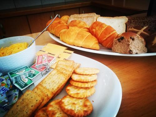 Options de petit-déjeuner proposées aux clients de l'établissement Saffron House Guesthouse