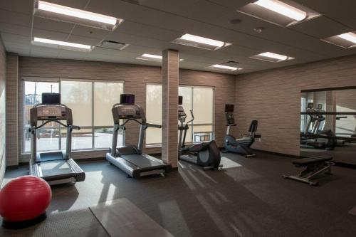 The fitness center and/or fitness facilities at Courtyard by Marriott Somerset