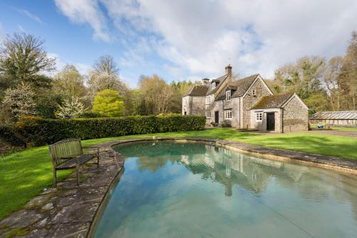 Blakeney Villa Sleeps 14 Pool WiFi
