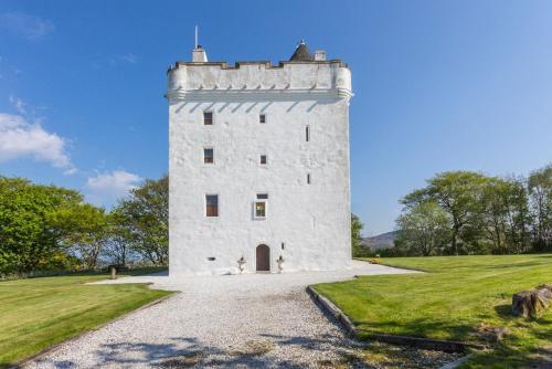 West Kilbride Chateau Sleeps 14 WiFi