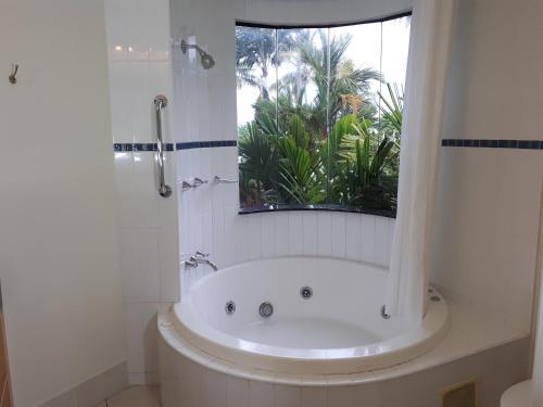 A bathroom at Meridien at Trinity