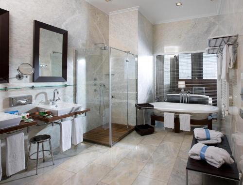 Ванная комната в URH Palacio de Oriol