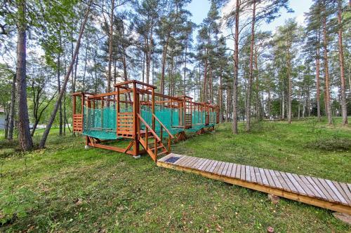Детская игровая зона в База отдыха «Ладога-озеро»