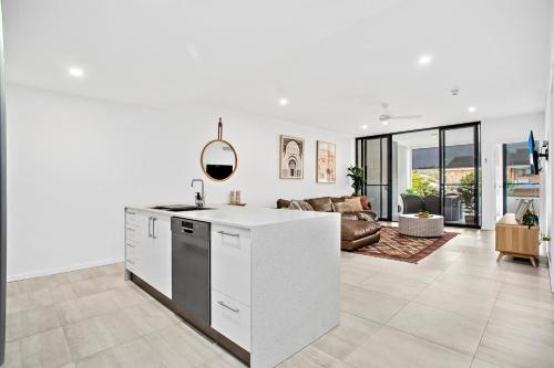 A kitchen or kitchenette at No 5 Rockpool 69 Ave Sawtell