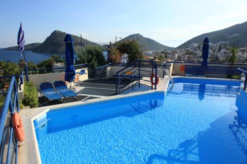 Πισίνα στο ή κοντά στο Διαμερίσματα Ηλιότοπος