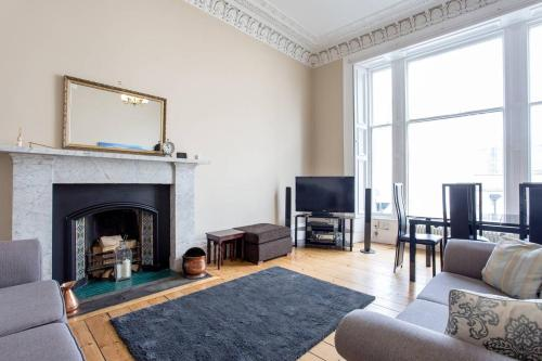 ALTIDO Old Town Stylish Apartment - 5 mins walk to Castle