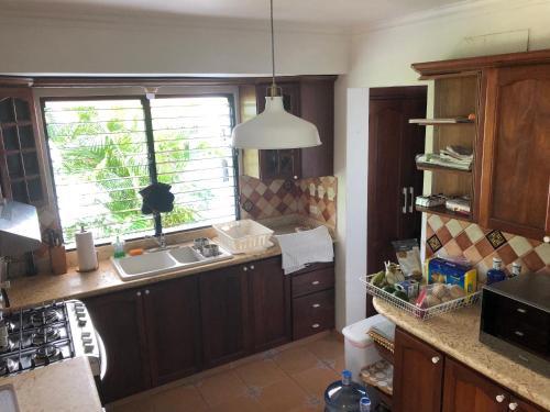A kitchen or kitchenette at Villa Vivero II - No8