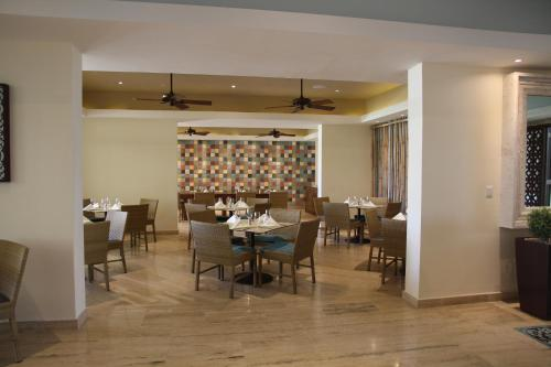 A restaurant or other place to eat at Westin Puntacana Resort & Club