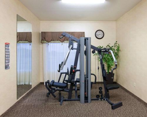 The fitness center and/or fitness facilities at Comfort Inn & Suites Regional Medical Center