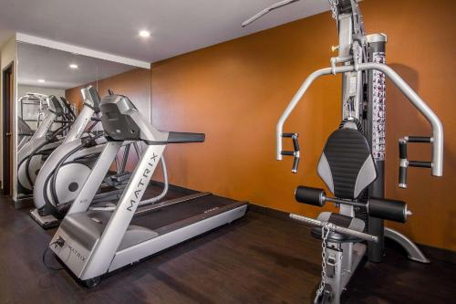 The fitness center and/or fitness facilities at Comfort Inn Fond Du Lac