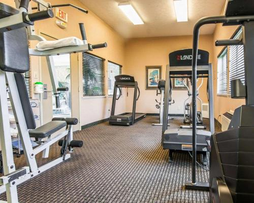 The fitness center and/or fitness facilities at Comfort Inn Near Indiana Premium Outlets