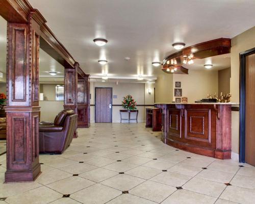 The lobby or reception area at Comfort Inn Jackson