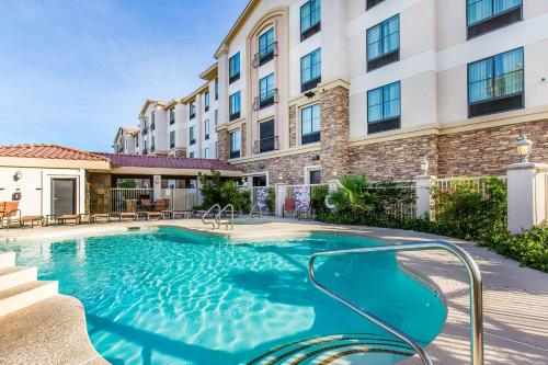 The swimming pool at or near Comfort Inn & Suites Henderson - Las Vegas