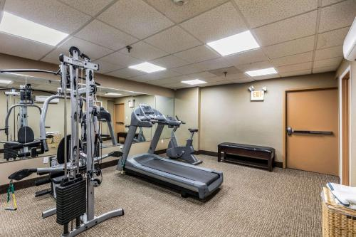 The fitness center and/or fitness facilities at Comfort Inn Medford