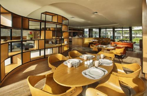 Quest Hotel Tagaytayにあるレストランまたは飲食店