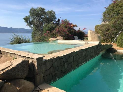 The swimming pool at or near Villas Valinco Capicciolo vue-proche mer-piscines