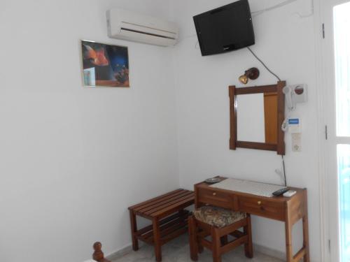 Μια τηλεόραση ή/και κέντρο ψυχαγωγίας στο Zorbas Hotel & Studios
