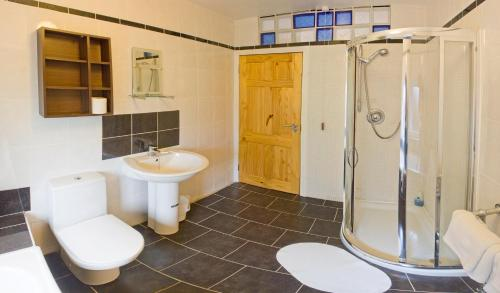 A bathroom at Somerton House