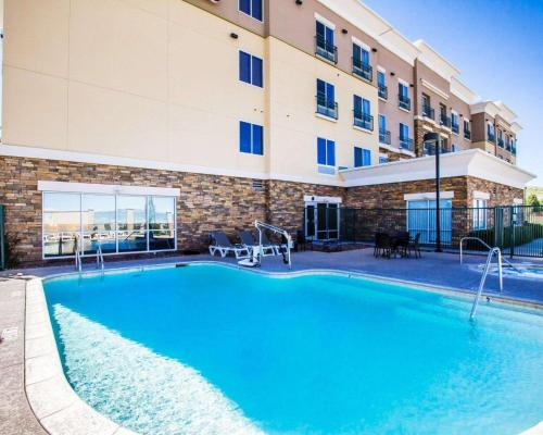The swimming pool at or near Comfort Suites Prescott Valley