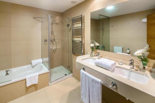A bathroom at Hotel Zalle Don Fernando