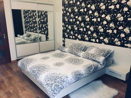 A bed or beds in a room at Apartment in the city center