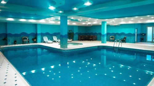A piscina localizada em Abu Arena Hotel ou nos arredores
