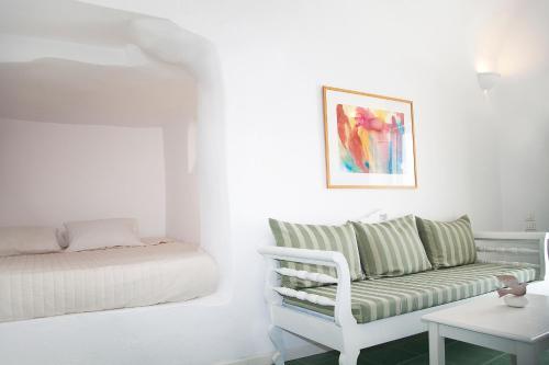 A seating area at Whitedeck Santorini