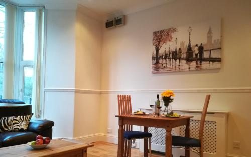Bright and Airy, 1 Bedroom, Ground Floor Apartment, Uplands, Swansea