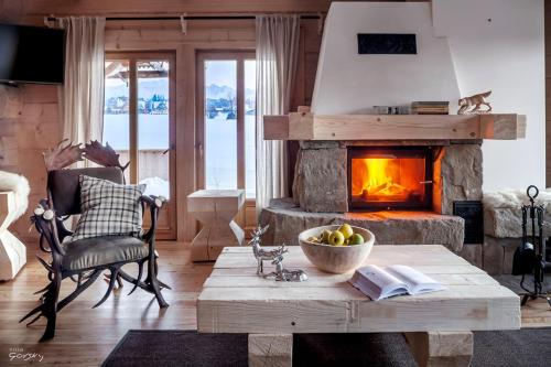 A seating area at Luxury Chalet Villa Gorsky