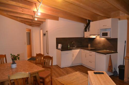 Küche/Küchenzeile in der Unterkunft Haus Steinacker