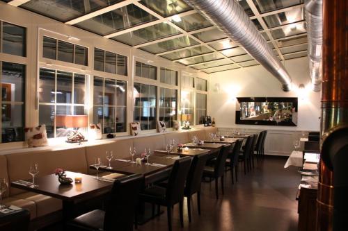Restaurace v ubytování Hotel Eagle