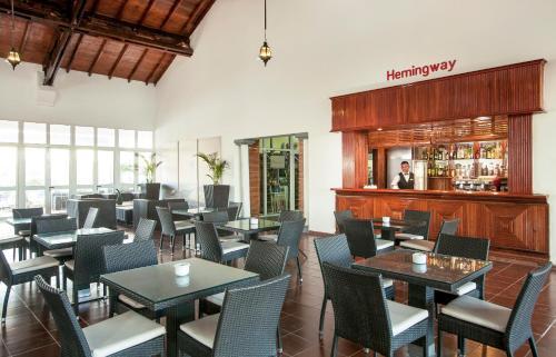 Un restaurante o sitio para comer en Sol Cayo Guillermo