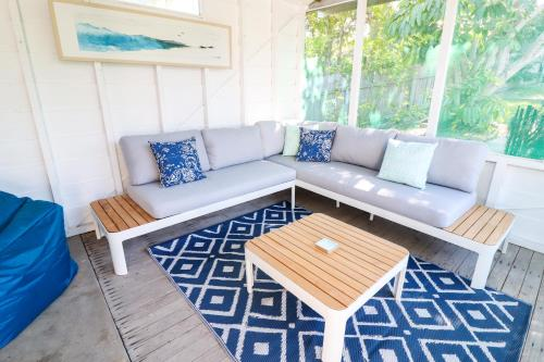 A seating area at Coastal Horizons Beach House