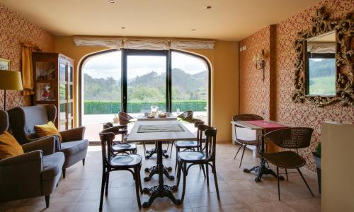 Un restaurante o sitio para comer en El Molín de Petra