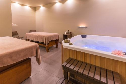 Спа и/или другие оздоровительные услуги в Main Palace Hotel