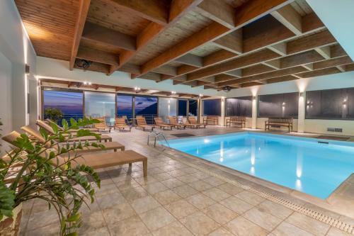 Πισίνα στο ή κοντά στο Domotel Anemolia Mountain Resort